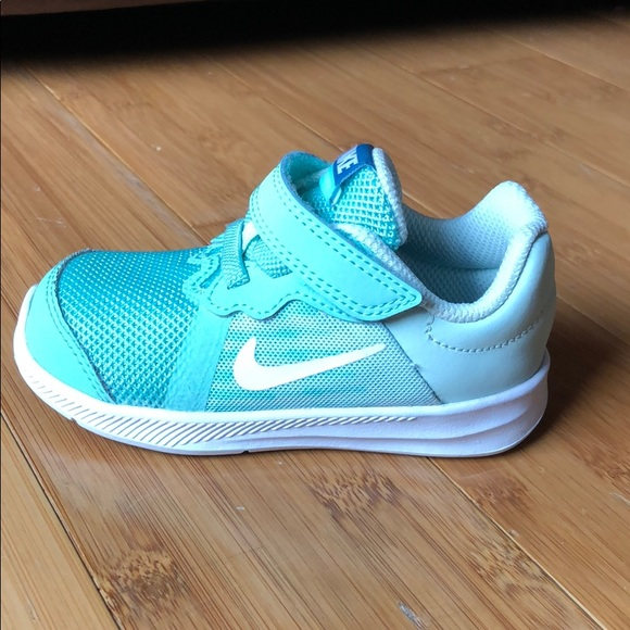 d86aec181d05b Nike Downshifter 8 Sneakers 6 Emerald Rise White. M 5c6981965c4452ca7f6ccbce